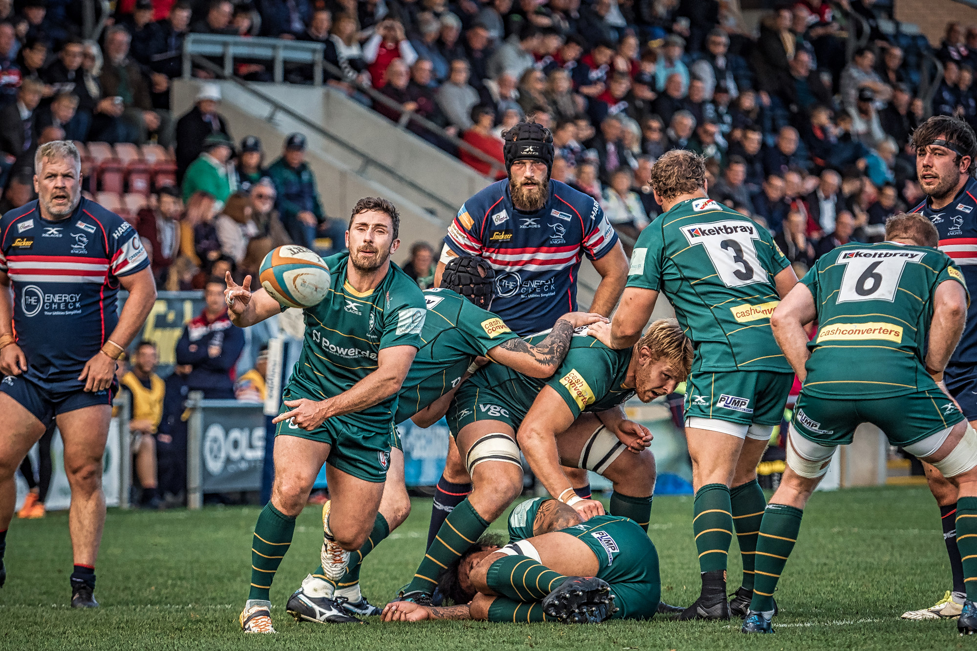 As I've said several times before, I really like the scrum half pass picture, especially when I'm right in line with the direction of the ball. Below, we have London Irish's Brendan McKibbin and, above, Knights scrum half Tom James