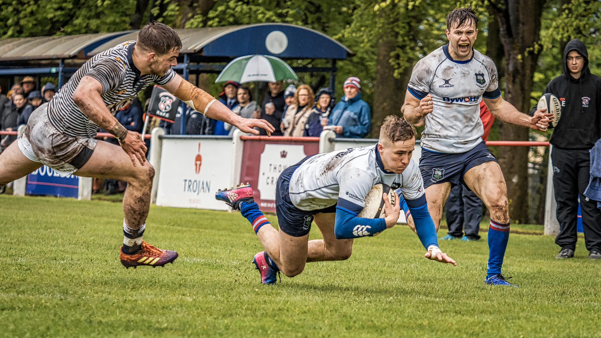 A first half try for Lewis Minikin