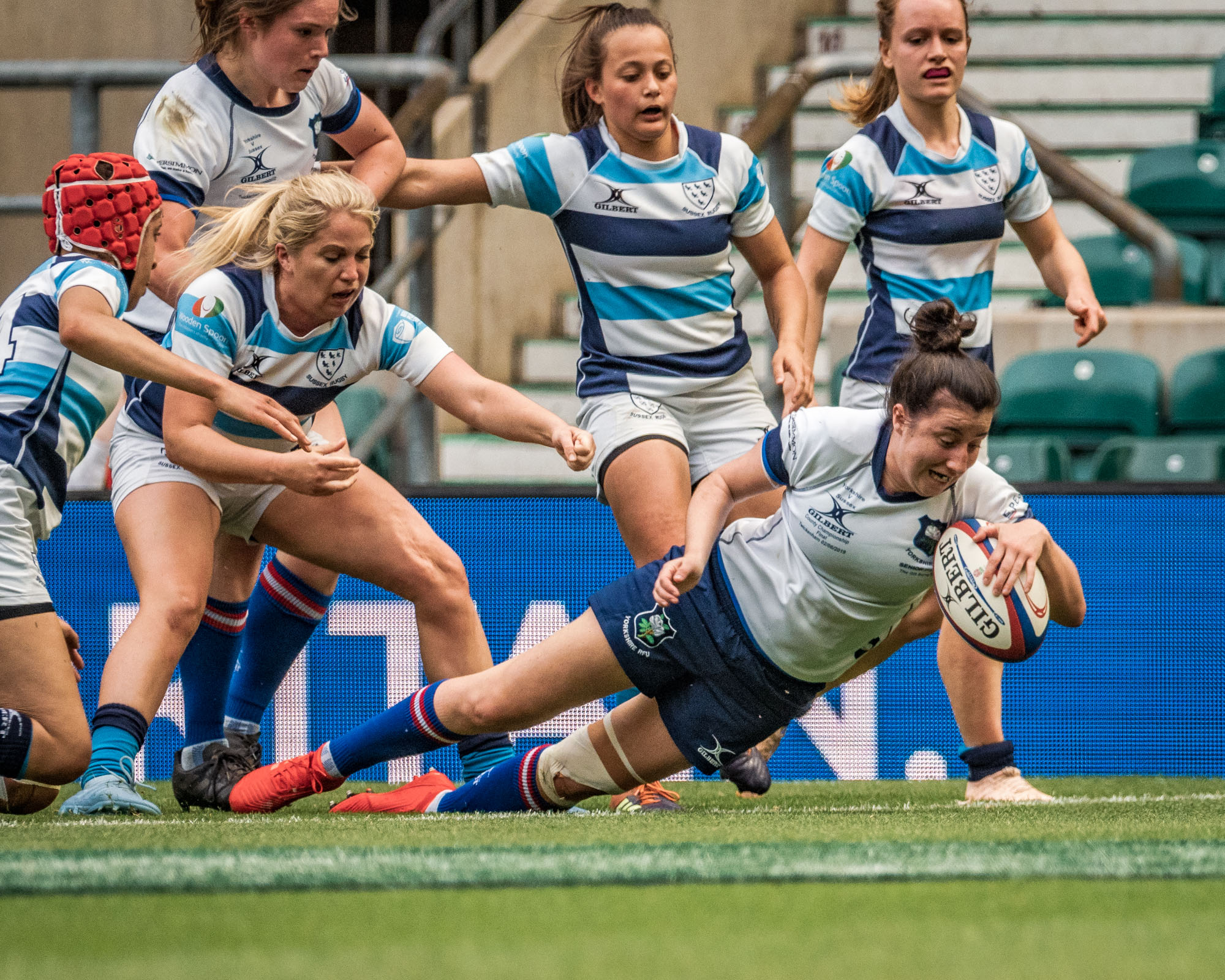 I had a poor view of Yorkshire's opening try but here's scrum half, Jessica Roberts, scoring their second