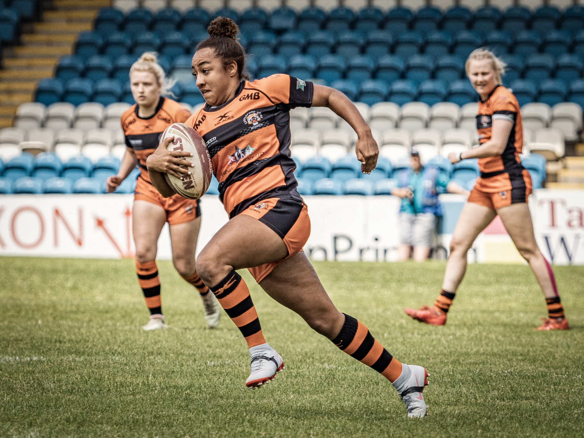 Kelsey Gentles - First half try coming up for Cas