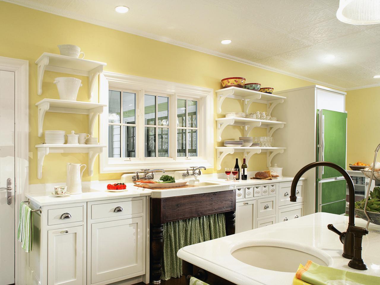 yellow kitchen.jpeg
