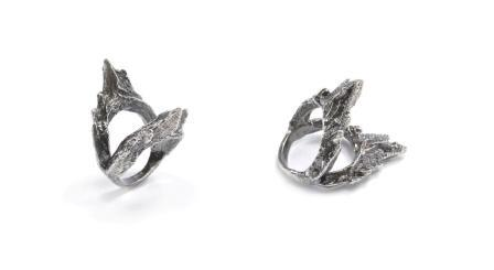 The Ondine double ring in sterling silver.