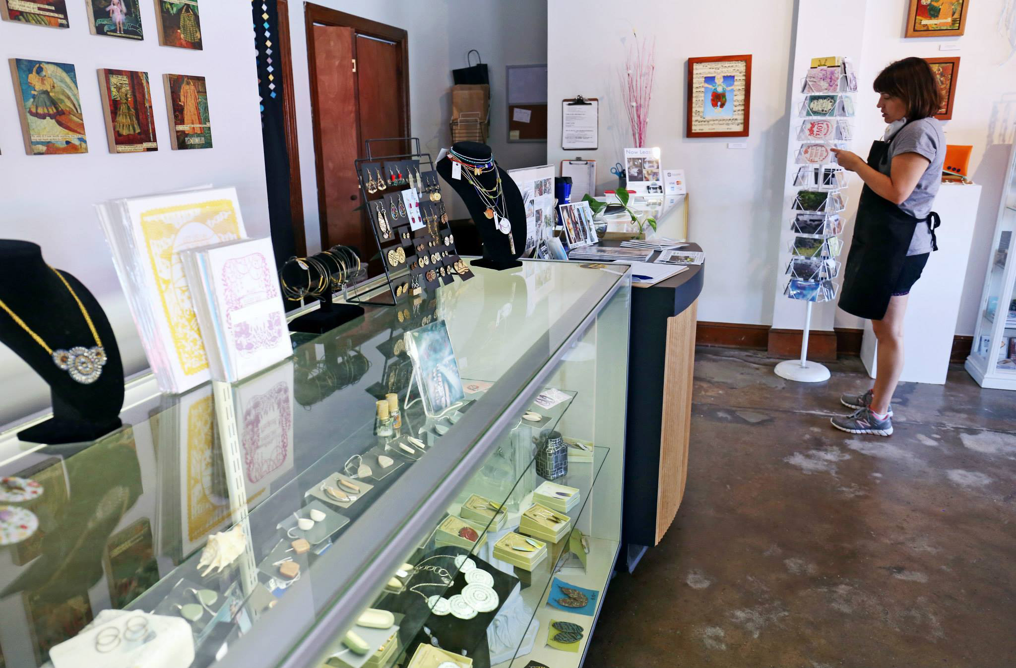 I helped manage the gallery and retail space as well as the metals studio.