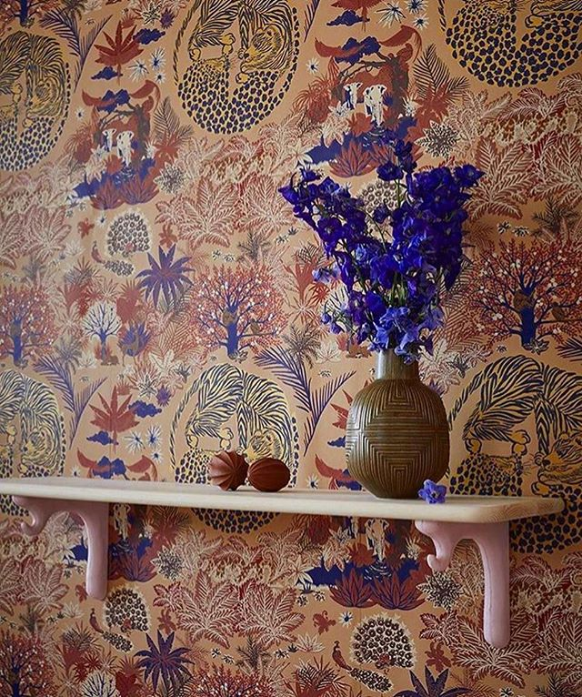 """Tarangire"" wallpaper 🍬 @lamaisonpierrefrey featured in a décor by @maleributikenialvik ! #swoon #wallswelove"