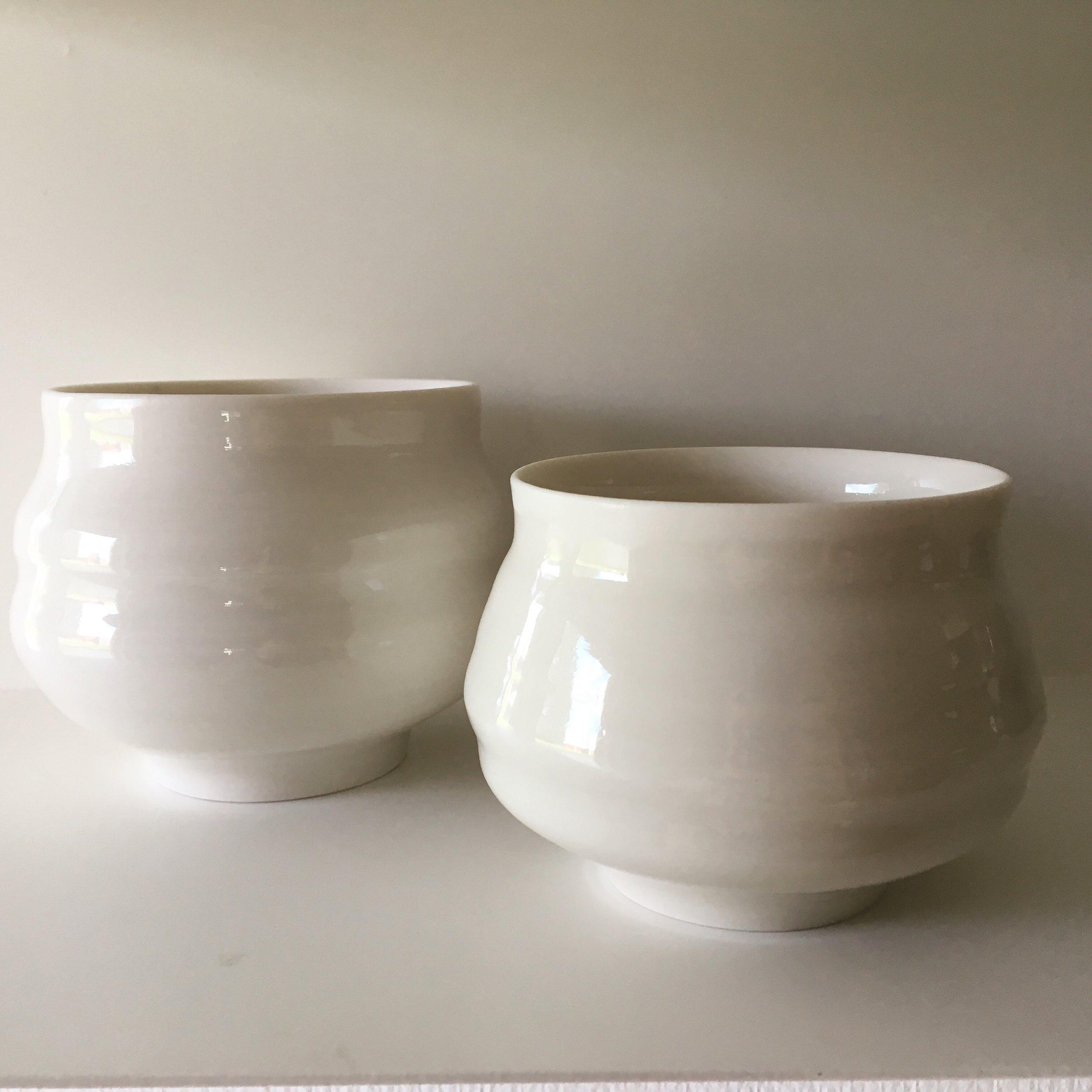 Porcelain chawan   Various porcelain chawan tea bowls with transparent glaze.  Ø 9-11cm - €30-55