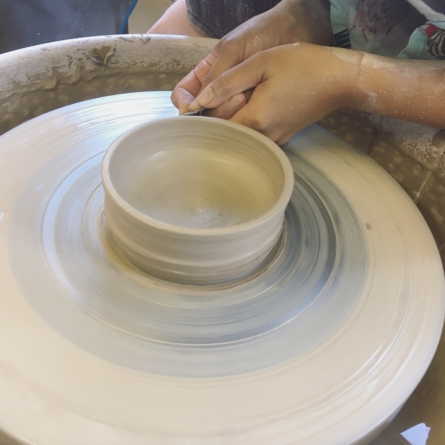Pottery courses - Learn the basics on the potter's wheelMonday and Wednesday mornings between 9:30-12:00