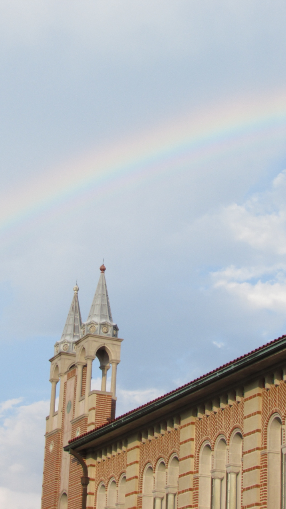 Rice-University-commencement-rainbow.jpg