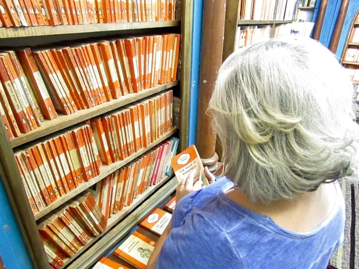 hay-on-wye-vintage-penguin-paperbacks.jpg