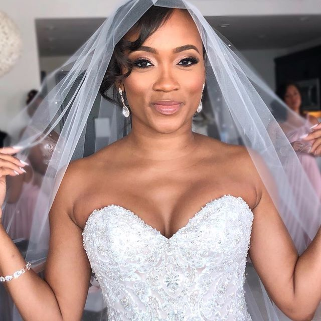 Looking like a dream on one of the most important days of her life! 🥰 . . Now booking 2019 brides! #makeupbyfifibridal #internationalmua