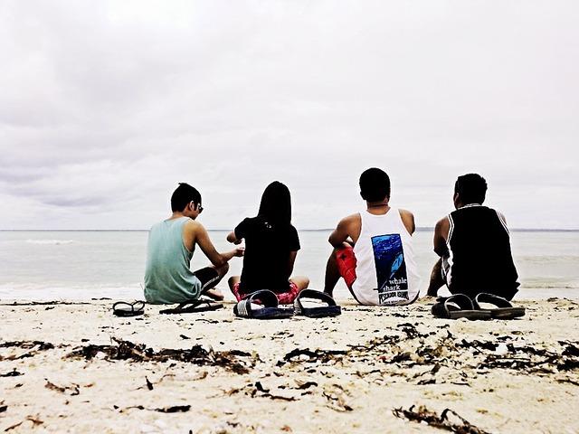 beach-519378_640