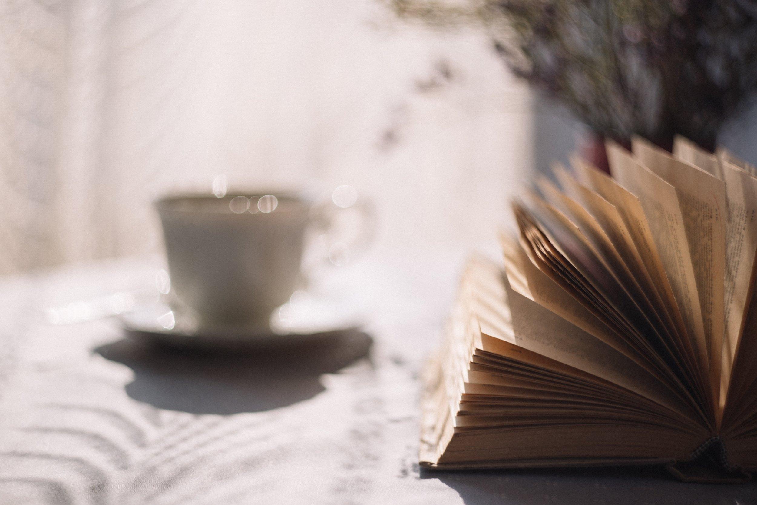 book-coffee-cup-172367.jpg
