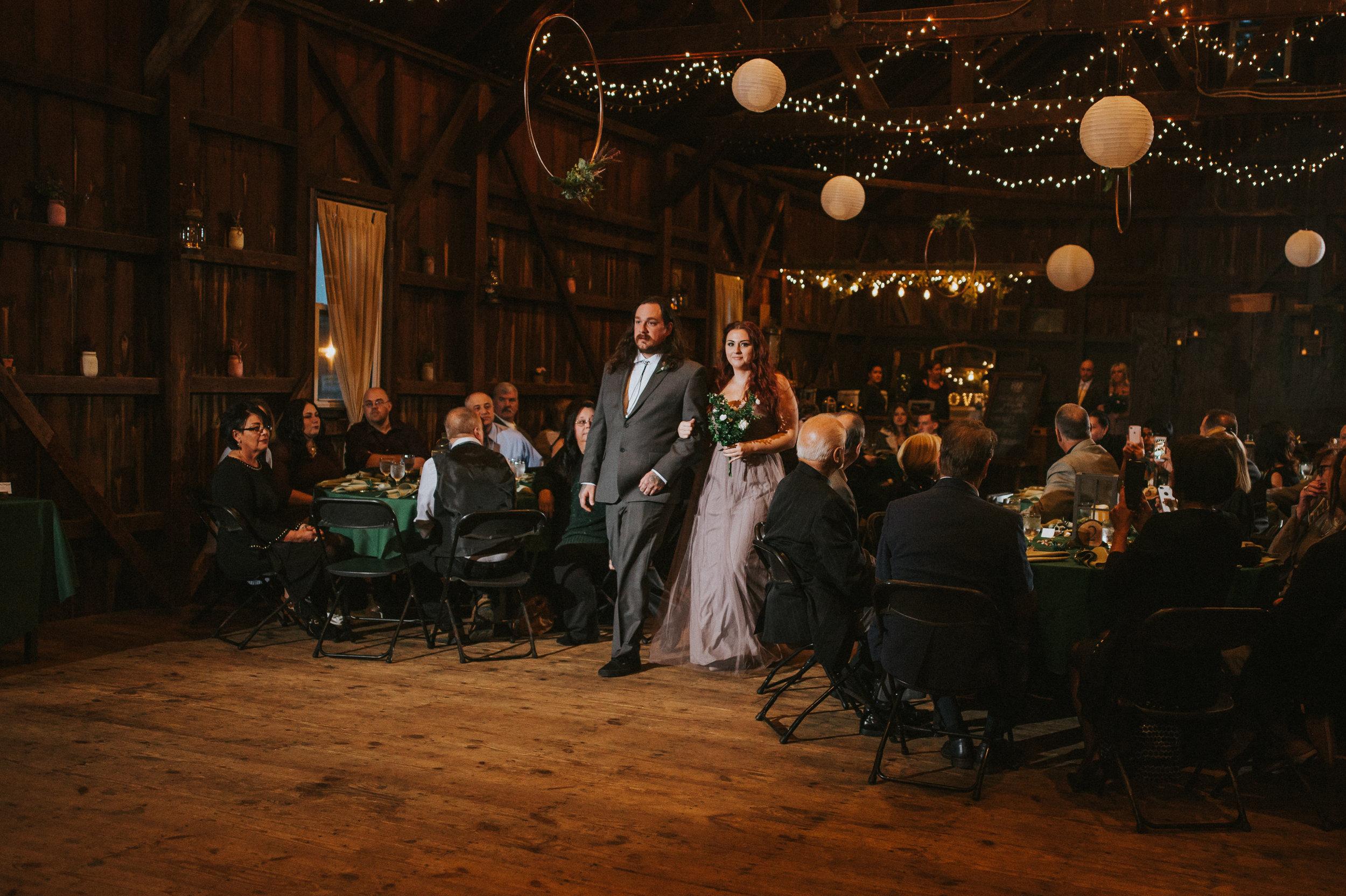 Rodes-Barn-Wedding-Mackenzie-and-Dylan-327.jpg