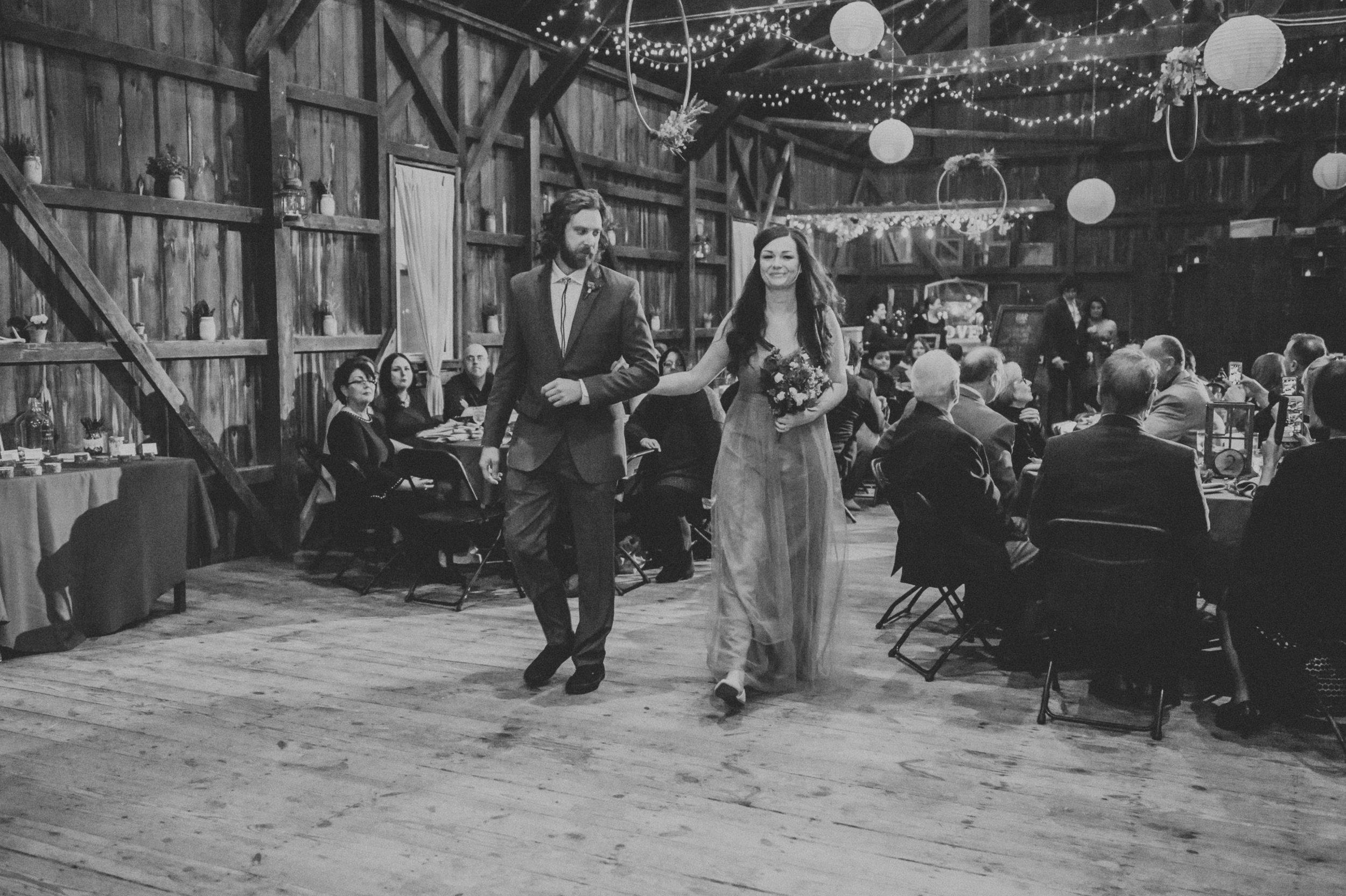 Rodes-Barn-Wedding-Mackenzie-and-Dylan-336.jpg