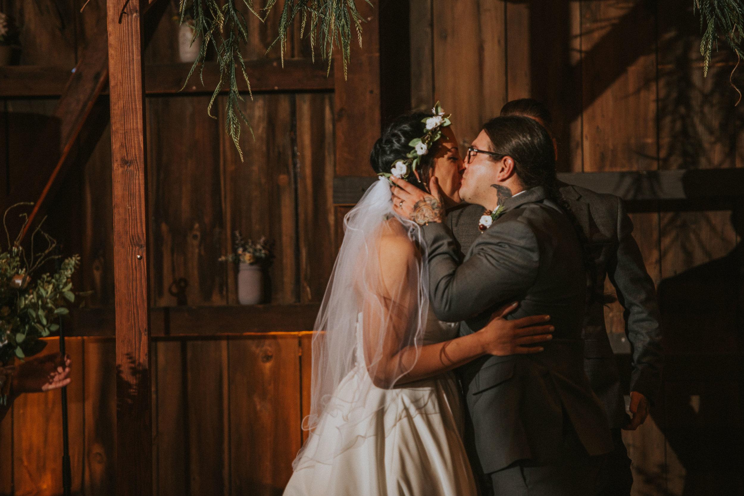 Rodes-Barn-Wedding-Mackenzie-and-Dylan-398.jpg