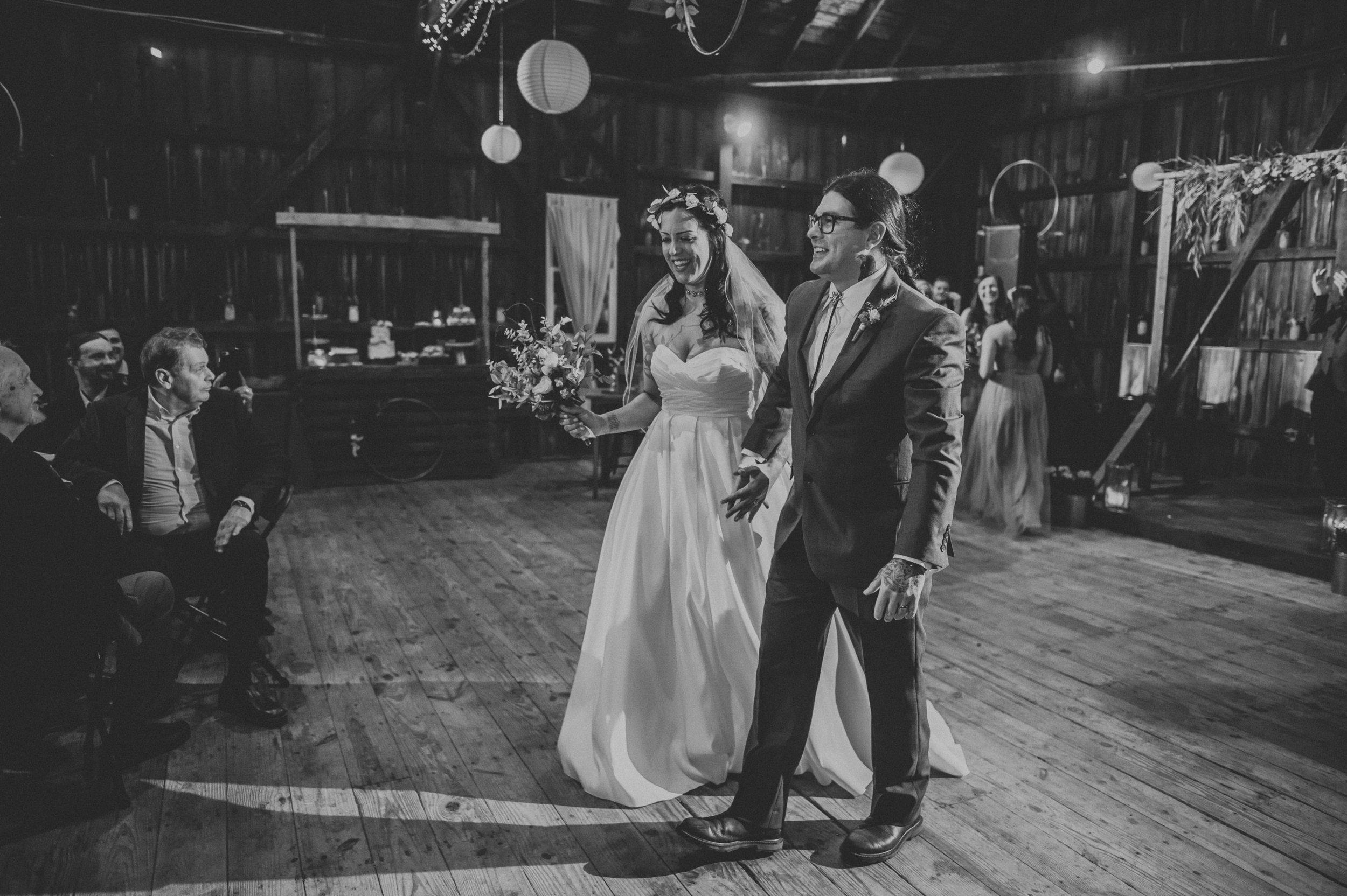 Rodes-Barn-Wedding-Mackenzie-and-Dylan-394.jpg