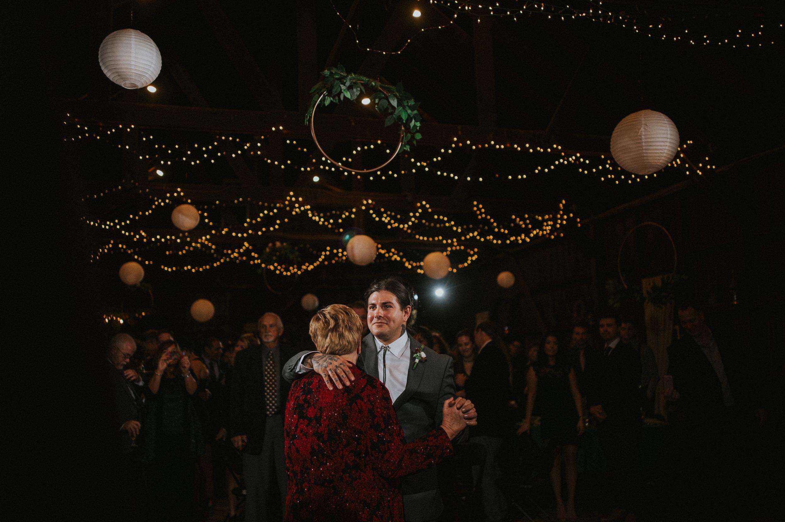 Rodes-Barn-Wedding-Mackenzie-and-Dylan-524.jpg