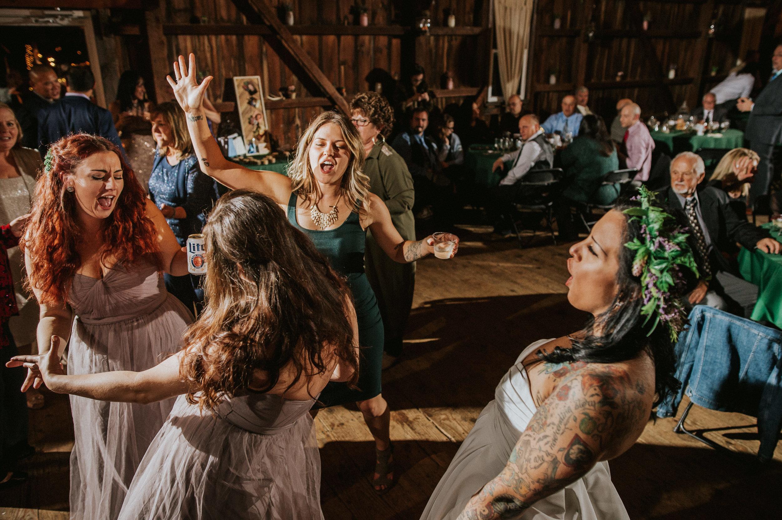 Rodes-Barn-Wedding-Mackenzie-and-Dylan-611.jpg