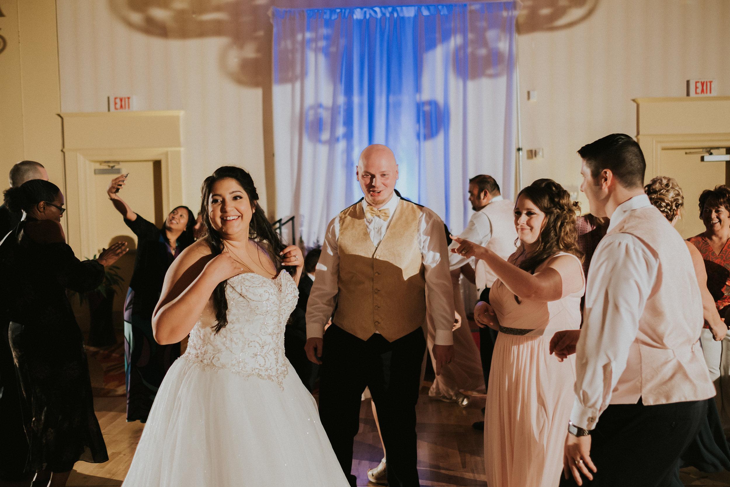 Barclay-Farmstead-Wedding-Rosa-and-Mike-616.jpg