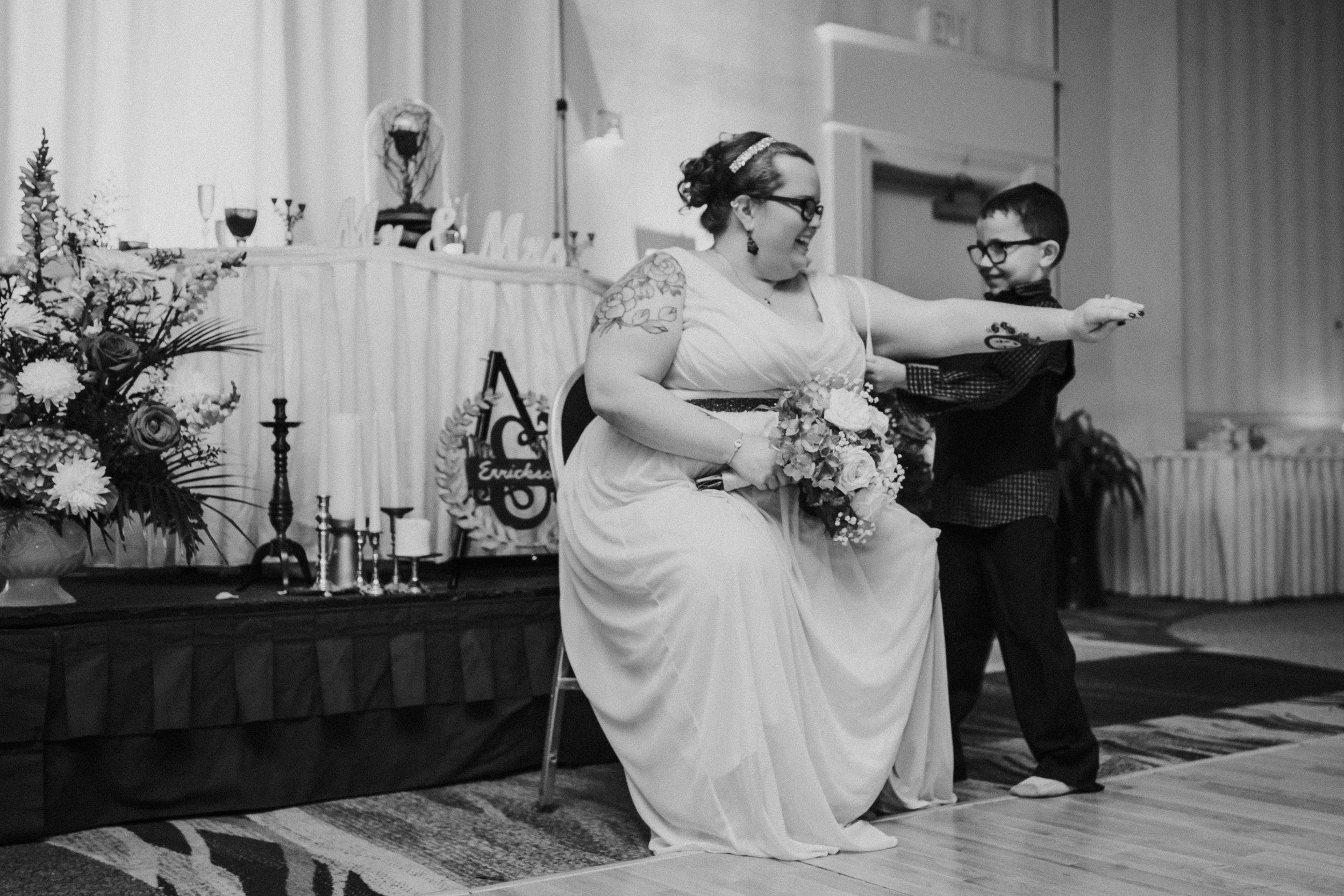 Barclay-Farmstead-Wedding-Rosa-and-Mike-827.jpg