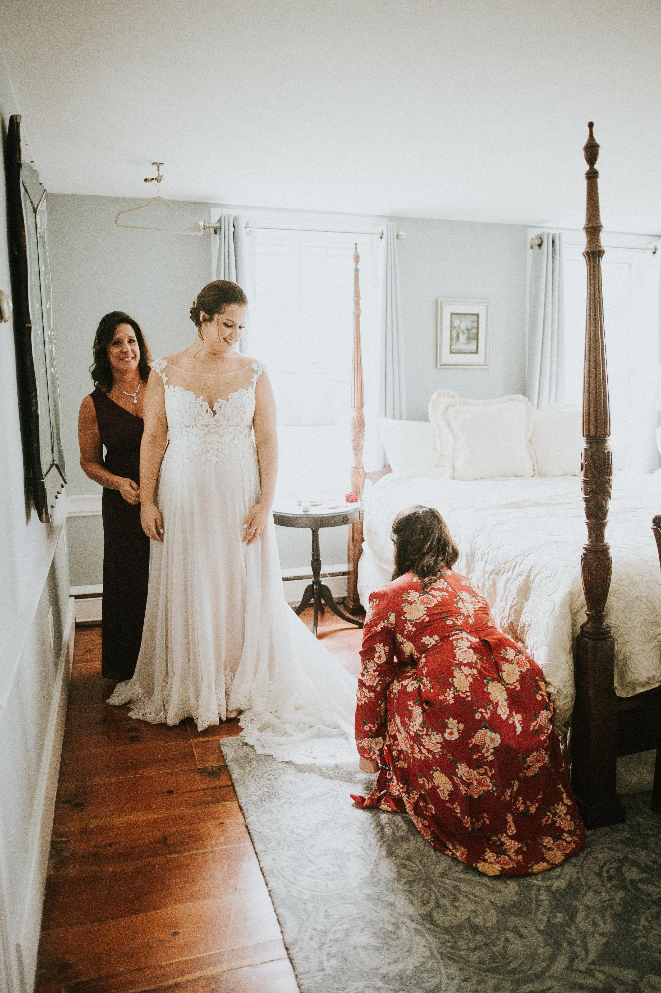 Johnson-Locust-Hall-Farm-Wedding-Christine-Kevin-307.jpg
