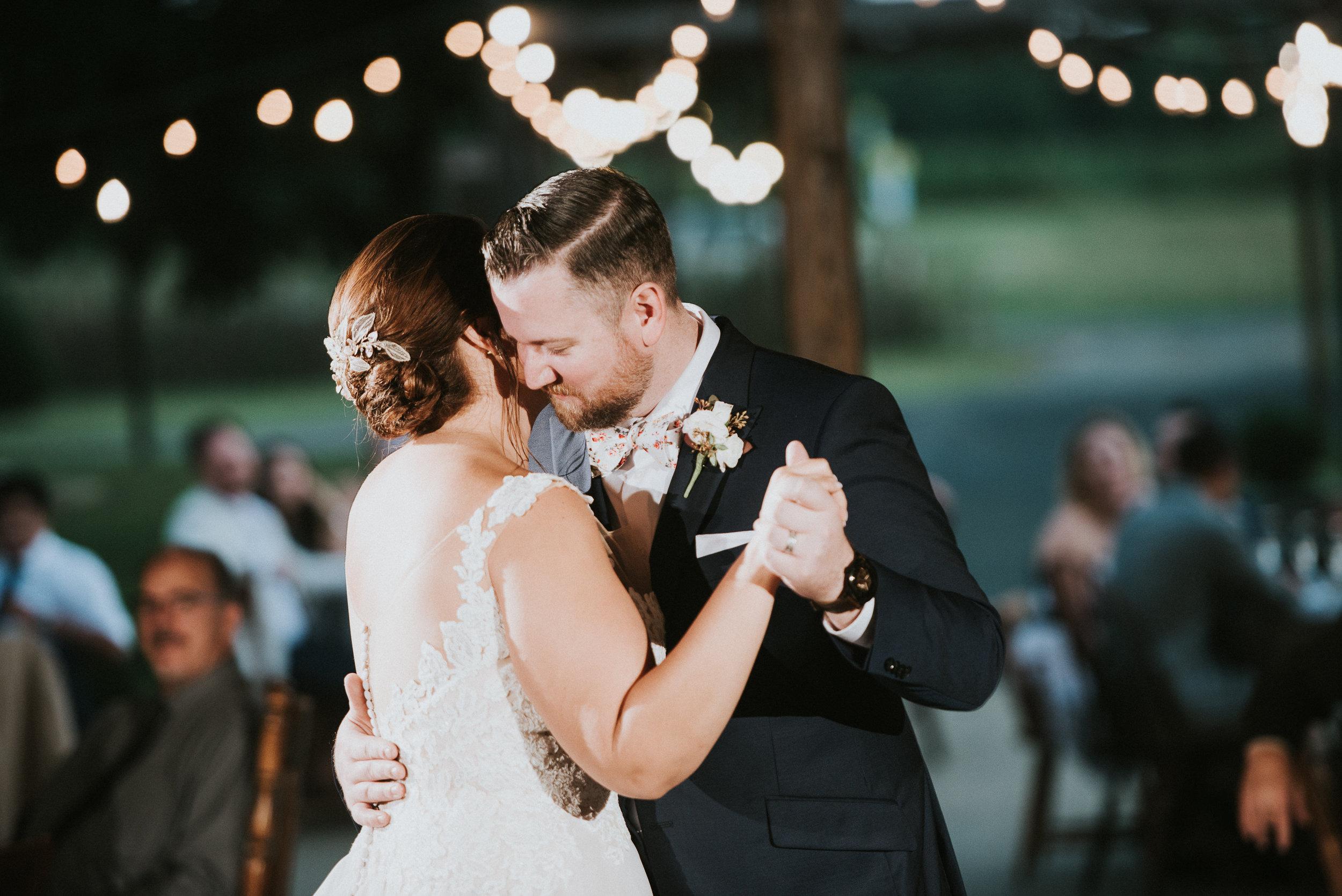 Johnson-Locust-Hall-Farm-Wedding-Christine-Kevin-1185.jpg