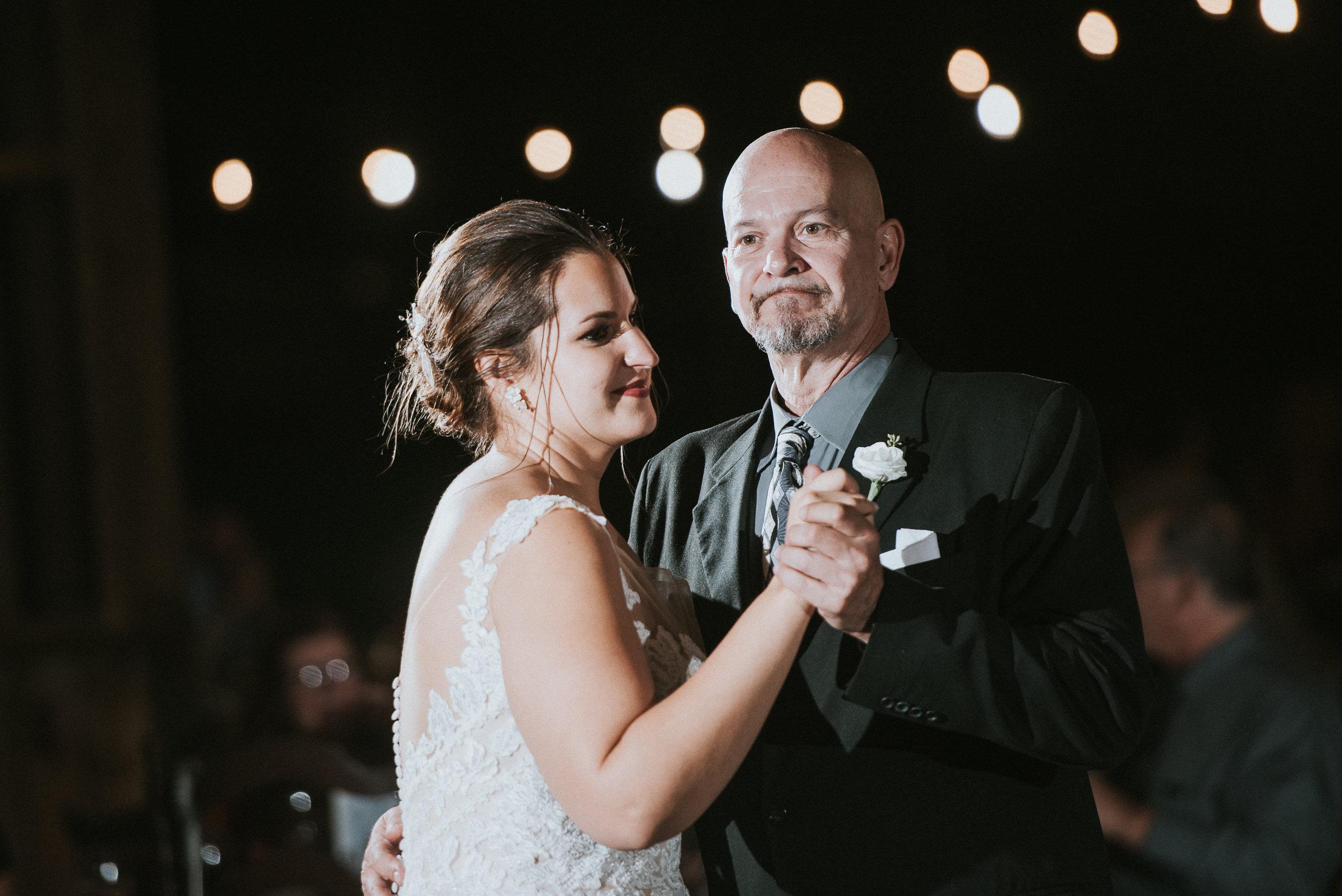 Johnson-Locust-Hall-Farm-Wedding-Christine-Kevin-1323.jpg