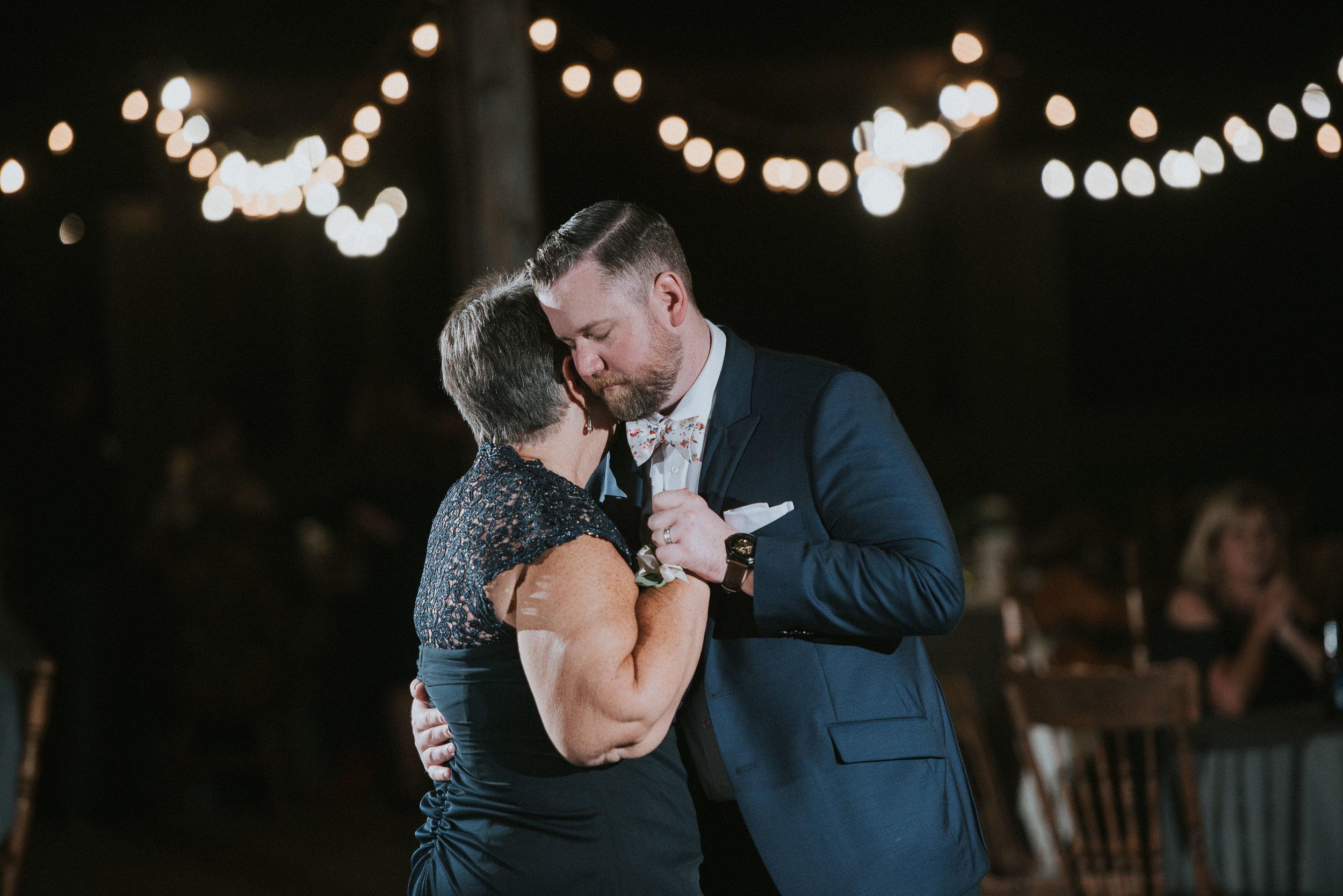 Johnson-Locust-Hall-Farm-Wedding-Christine-Kevin-1340.jpg