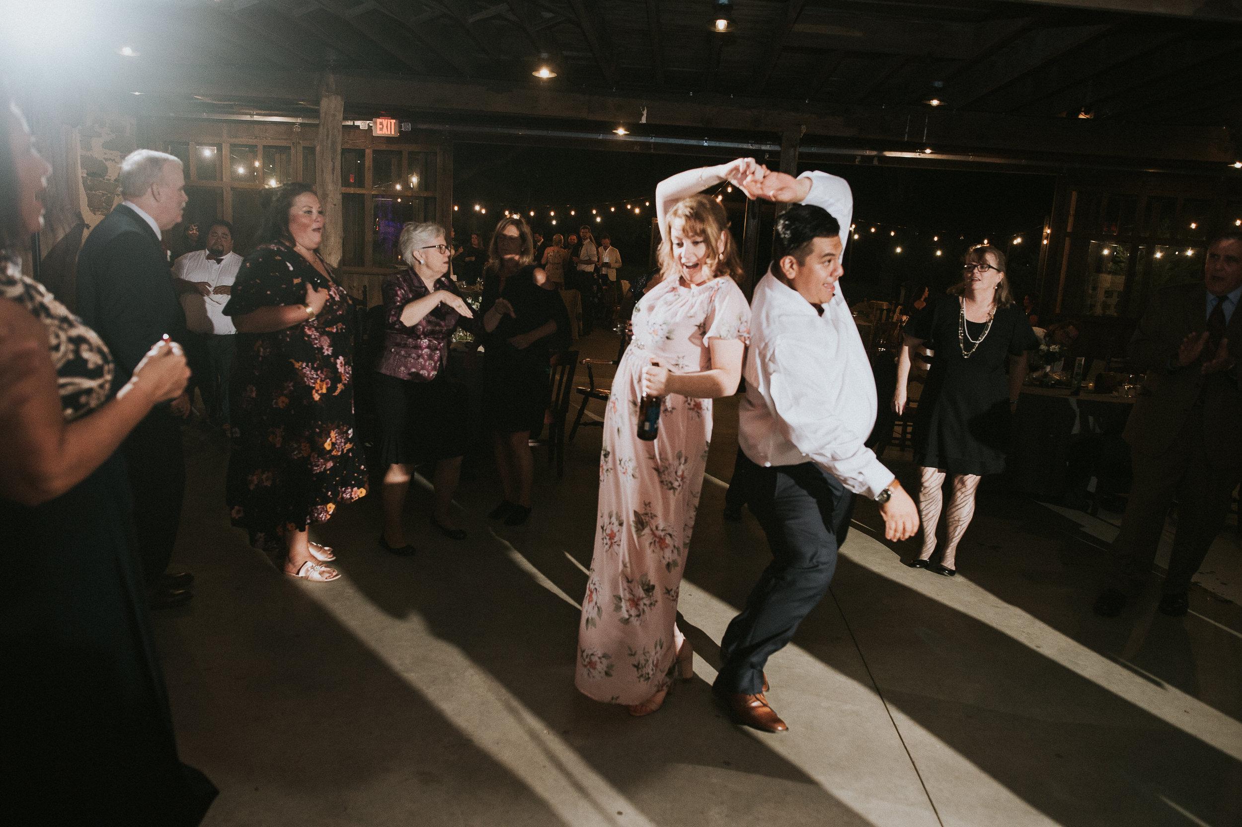 Johnson-Locust-Hall-Farm-Wedding-Christine-Kevin-1379.jpg