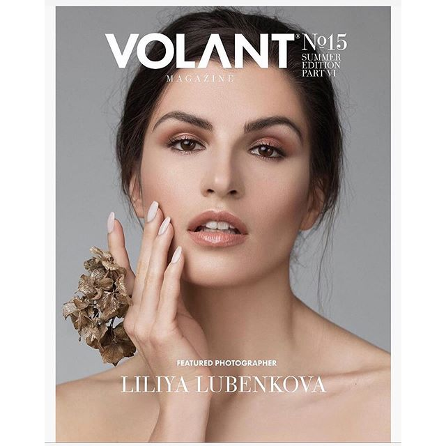 Repost @liliyaportraits ・・・ One more magazine cover in my portfolio 🥳🥂 Cover for Volant magazine @volant_magazine! ❤️ • Many thanks to my amazing team:  Floral designer | @get_a_bouquet Model | @tangerinca Makeup | @tarahkostenkomakeup Hair | @jenmathisonhair @aislehair • #coverstory #editorialhair  #vancitybuzz #yvr #yvrphotographer #burnabyhair #portraitphotography #sessionstylist