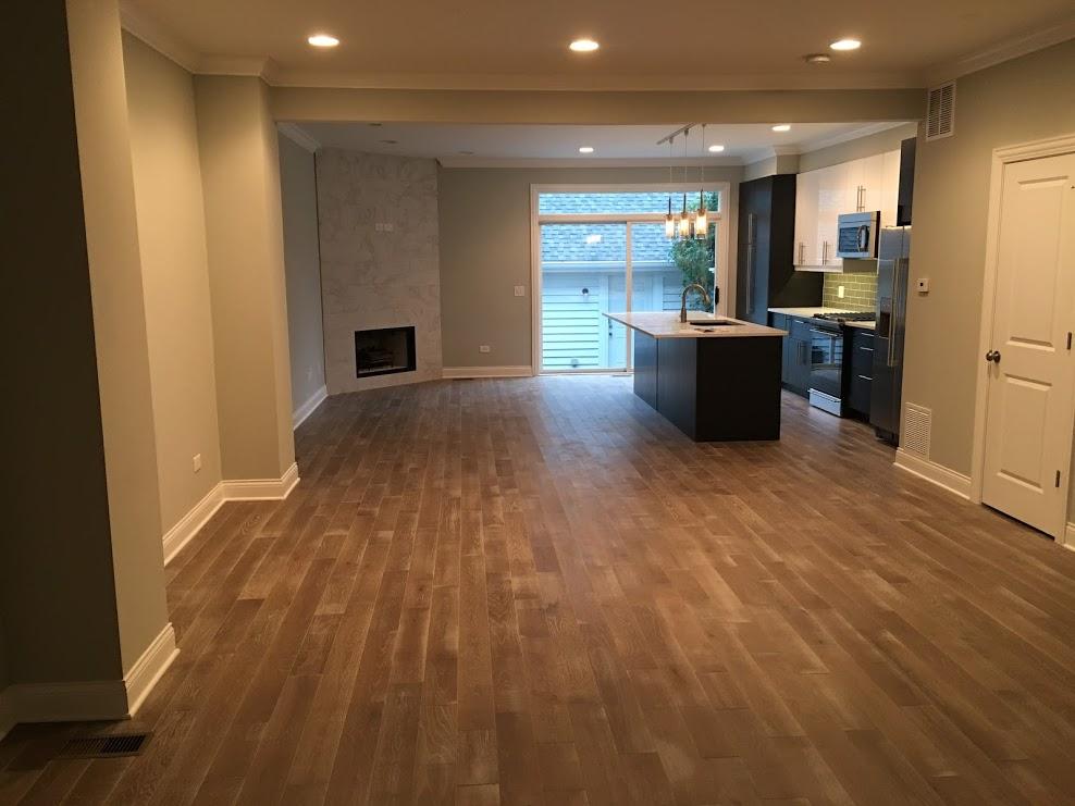 sauganash livingroom.JPG