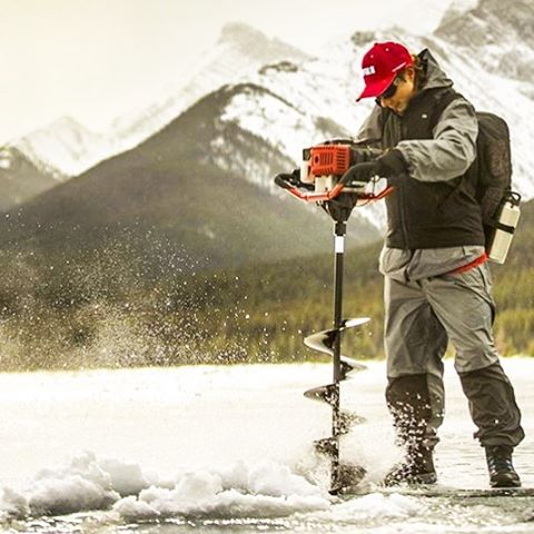 Now THIS is commitment! Visit @rapala.army (photo credit) for committed folks like this who have not only a Passion for fishing...but love great wine! #icefishing #icefishing2016 #winetime #seafoodlover #sportswoman #sportsman #awesomeearth #bestnatureshot #coolfish #coolfishes #coolfishwines #california4fun #californialove #californiawine #earthboundshots #fishwine #foodwine #fisherman #fishermen #fishandhunt #great_captures_nature #huntingclub #hunter_clicks #ig_captures #livefolk #liveauthentic #nature_up_close #sportsman #sportswoman #seafoodlover