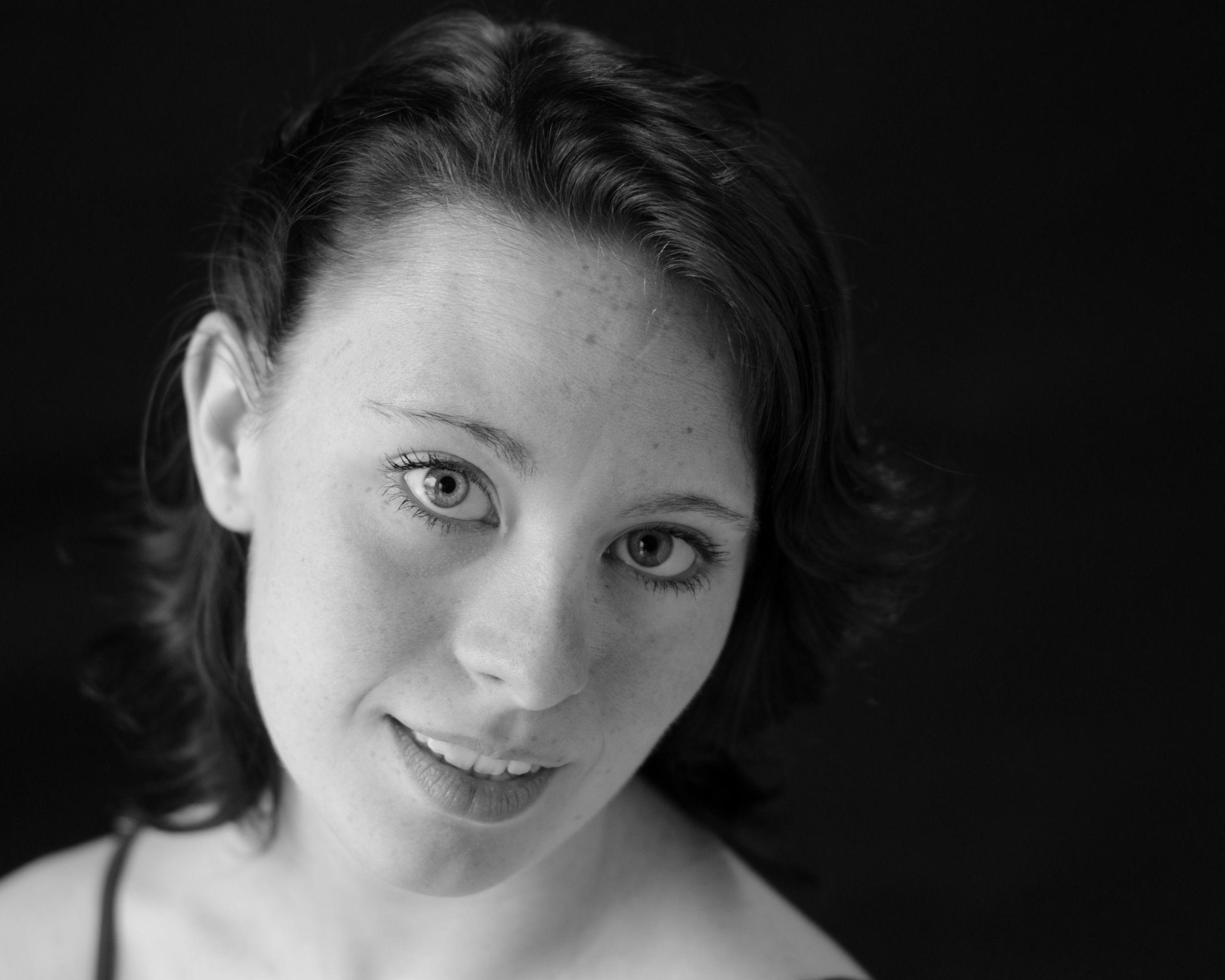 Caitlin Knowles (Dancer)