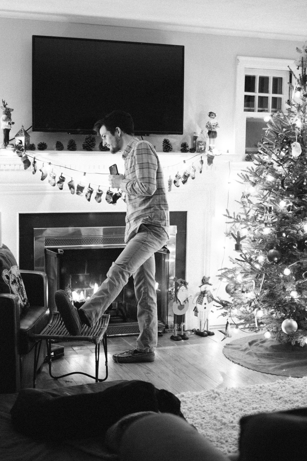 New-groom-waiting-for-a-surprise-holiday-engagement.jpg