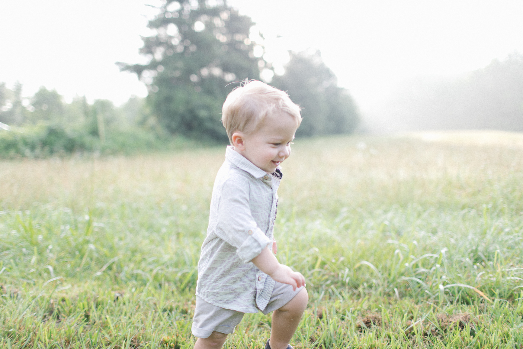 Toddler-Charlotte-NC-Field-Lifestyle-photography-sunrise-session.