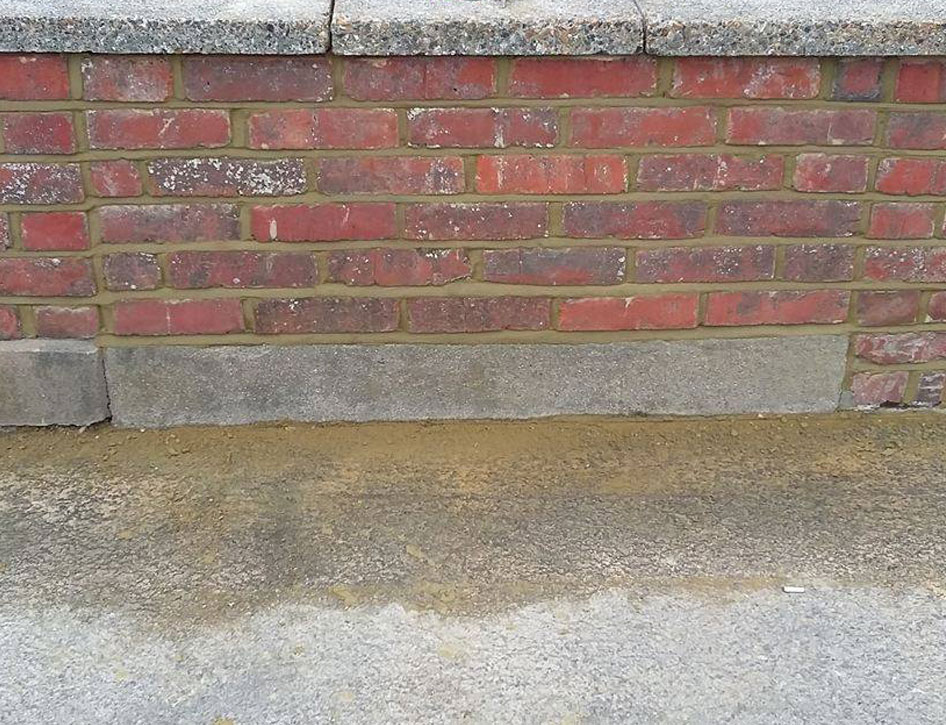 brickrepointinglowwall2.jpg