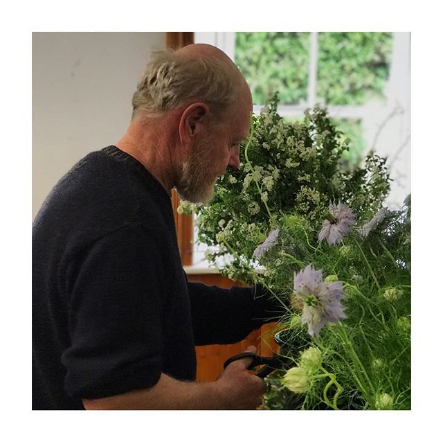 Hello May! 🌸 Thinking of everyone heading down to @feilenabealtaine this weekend. Here's a pic from our May Bough workshop at last years' #fnab . Wishing you all a deadly weekend and gorgeous season ahead. Xx ⠀⠀⠀⠀⠀⠀⠀⠀ #bealtaine #bloom #wheelofttheyear #ritual #celebratetheseasons #mayboughritual