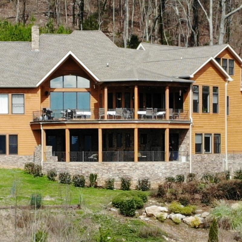 Grand Oak Retreat