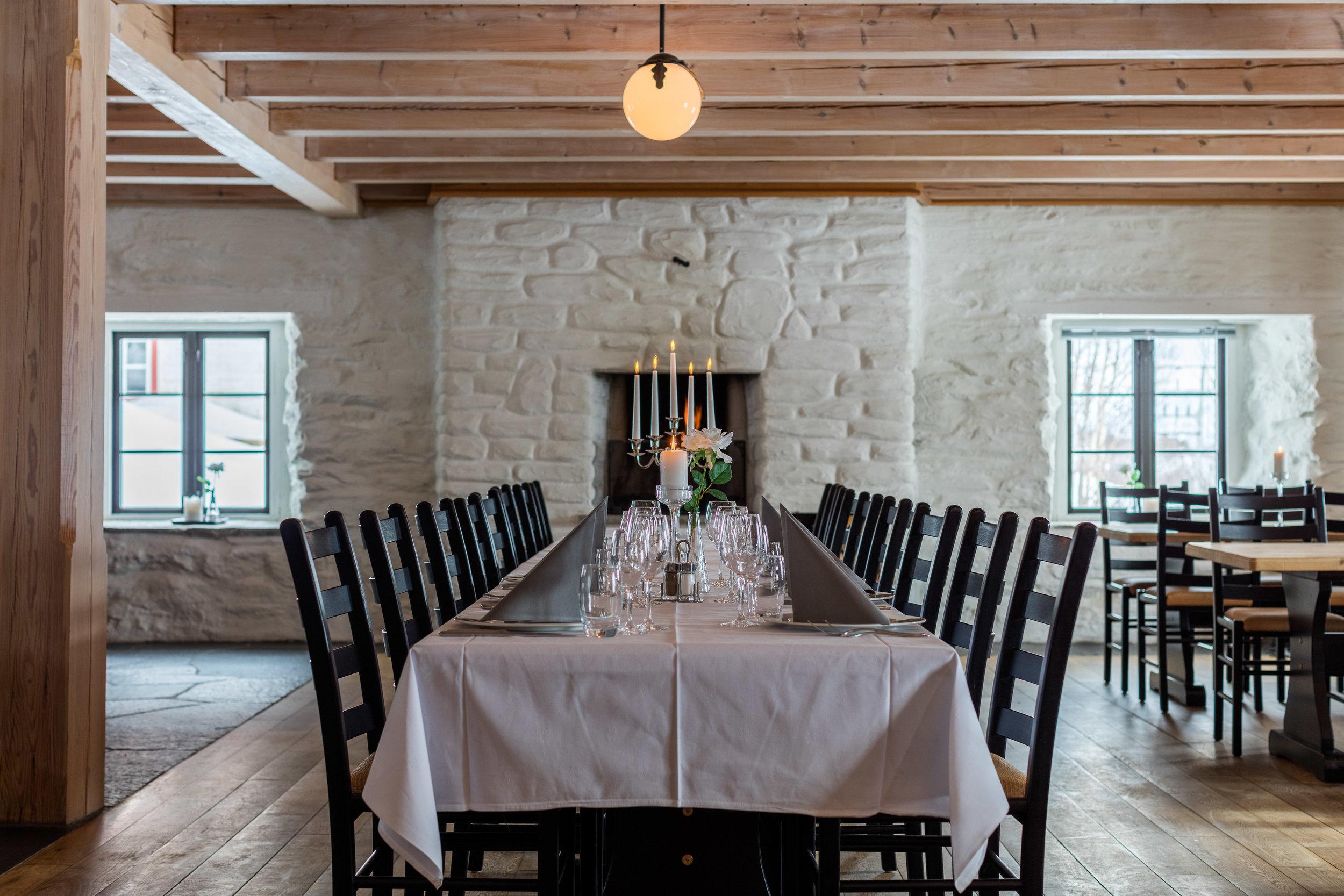 The banquet room in Fjøset