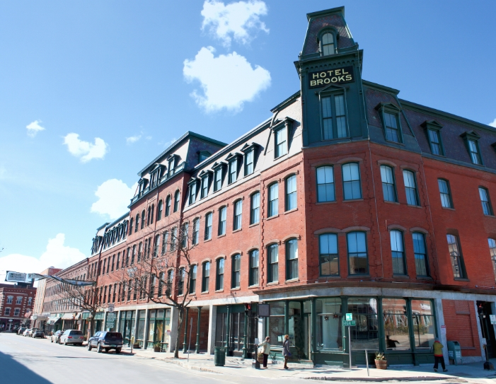 Jeff Saari offers leadership consulting to Brattleboro, VT businesses and non-profits.