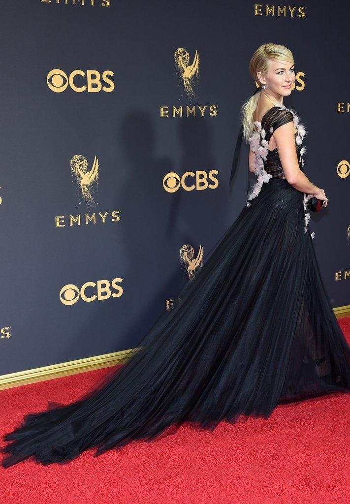 Julianne-Hough-Emmys-Dress-2017-2.jpg