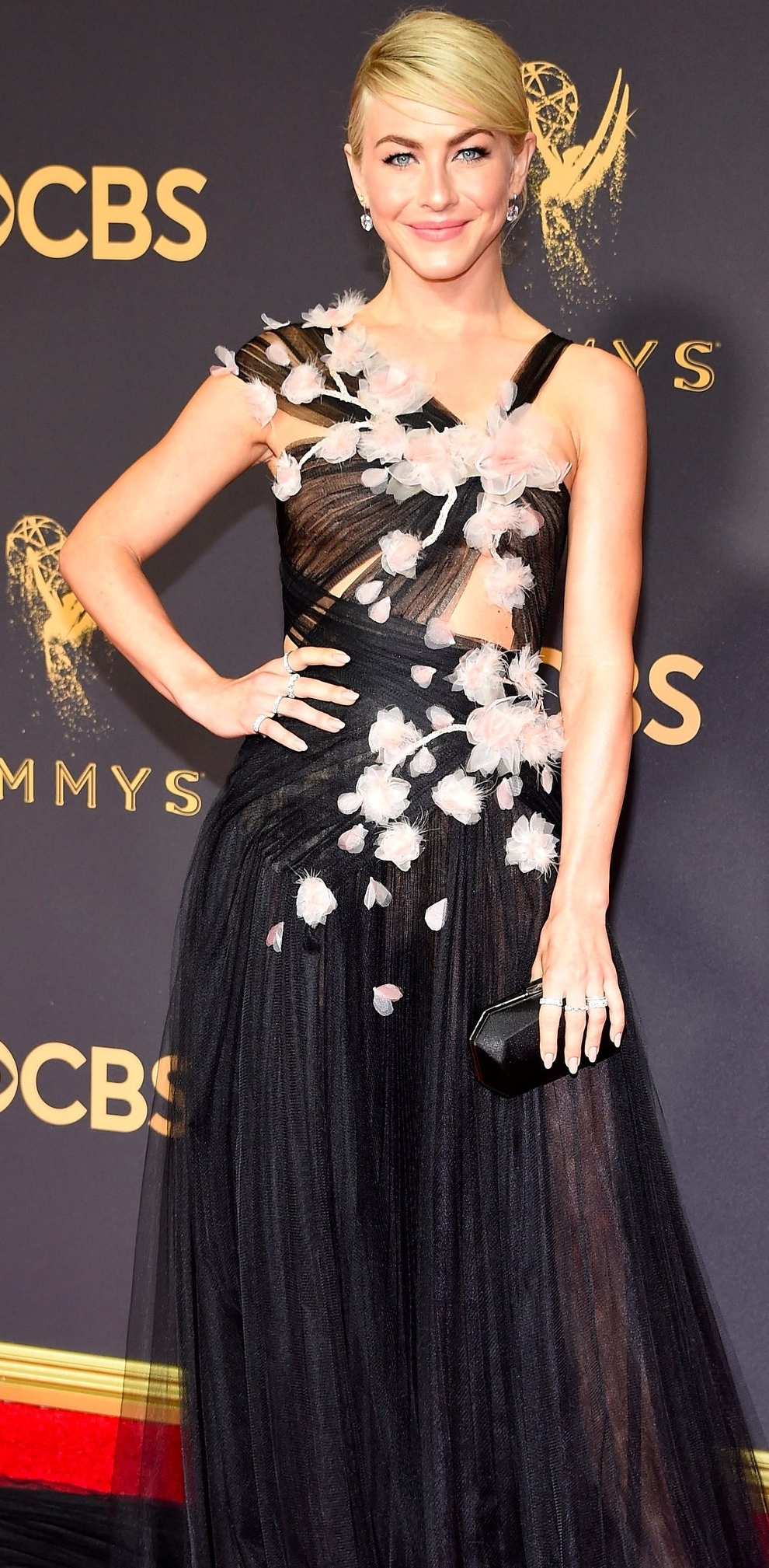 Julianne-Hough-Emmys-Dress-2017.jpg