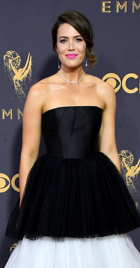 Mandy-Moore-2017-Emmys.jpg