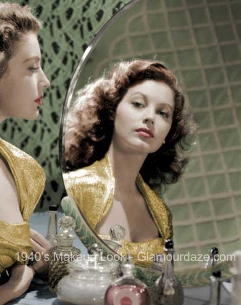 ava-gardner-1940s-makeup-vanity-mirror.jpg