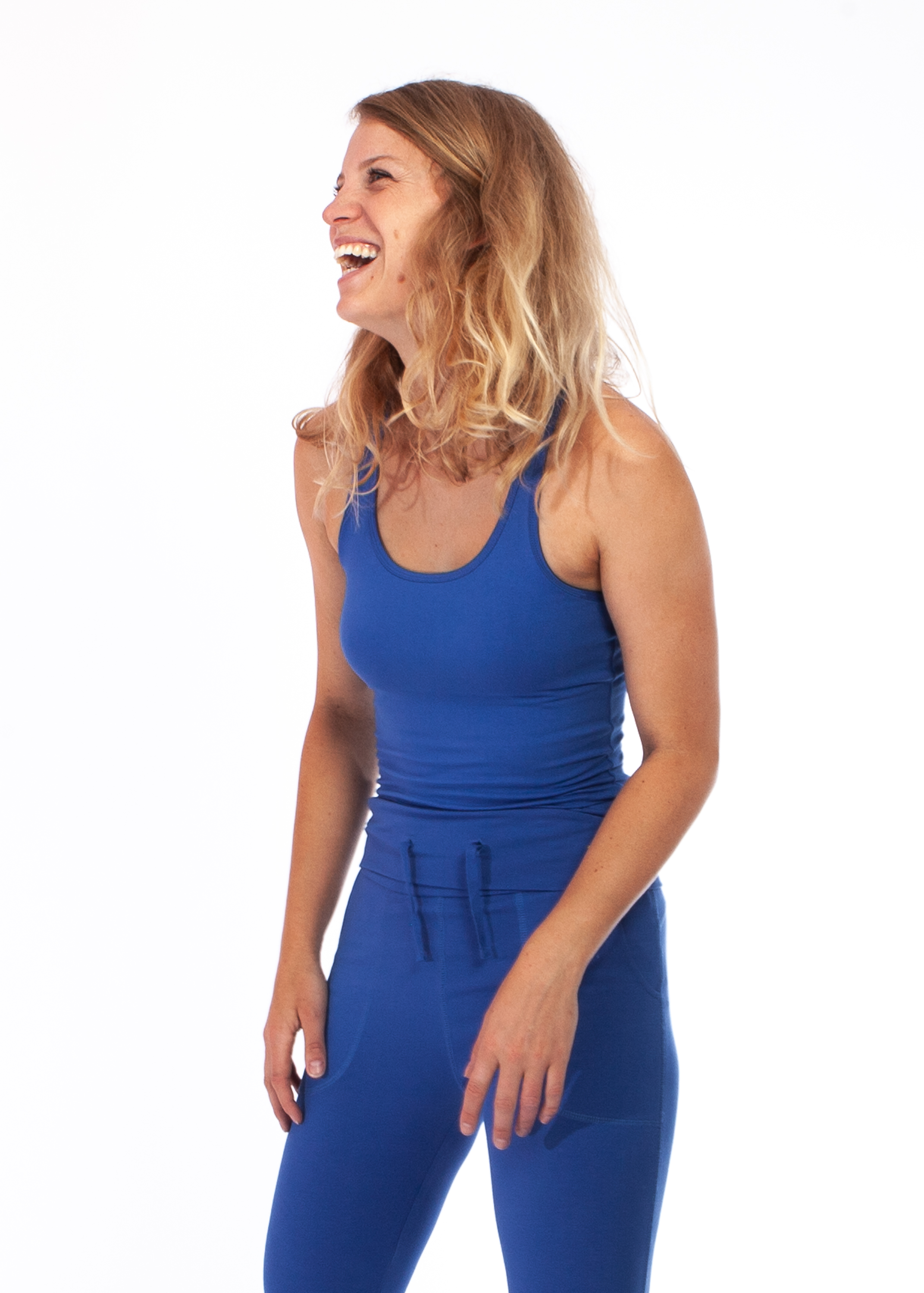 yoga_top_strong_blue_01_front_MB.jpg