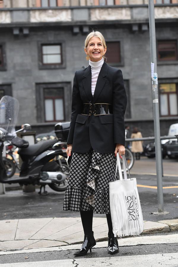 Ruffled skirt + blazer + roll neck