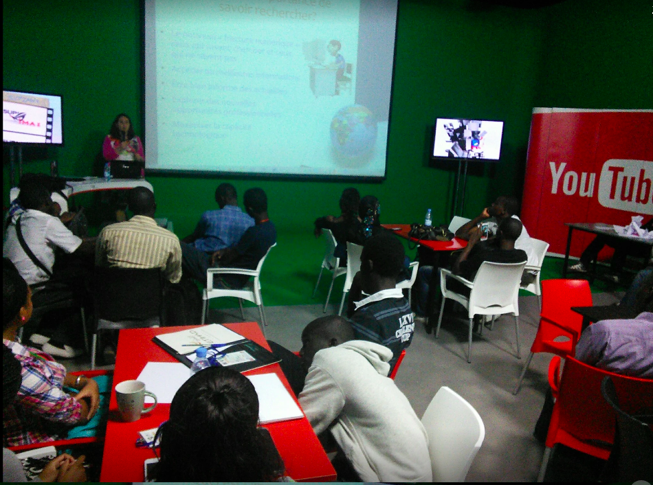 Presenting Cybraries and teaching internet skills at the GDays Summit organize by Google Senegal. December 2013.