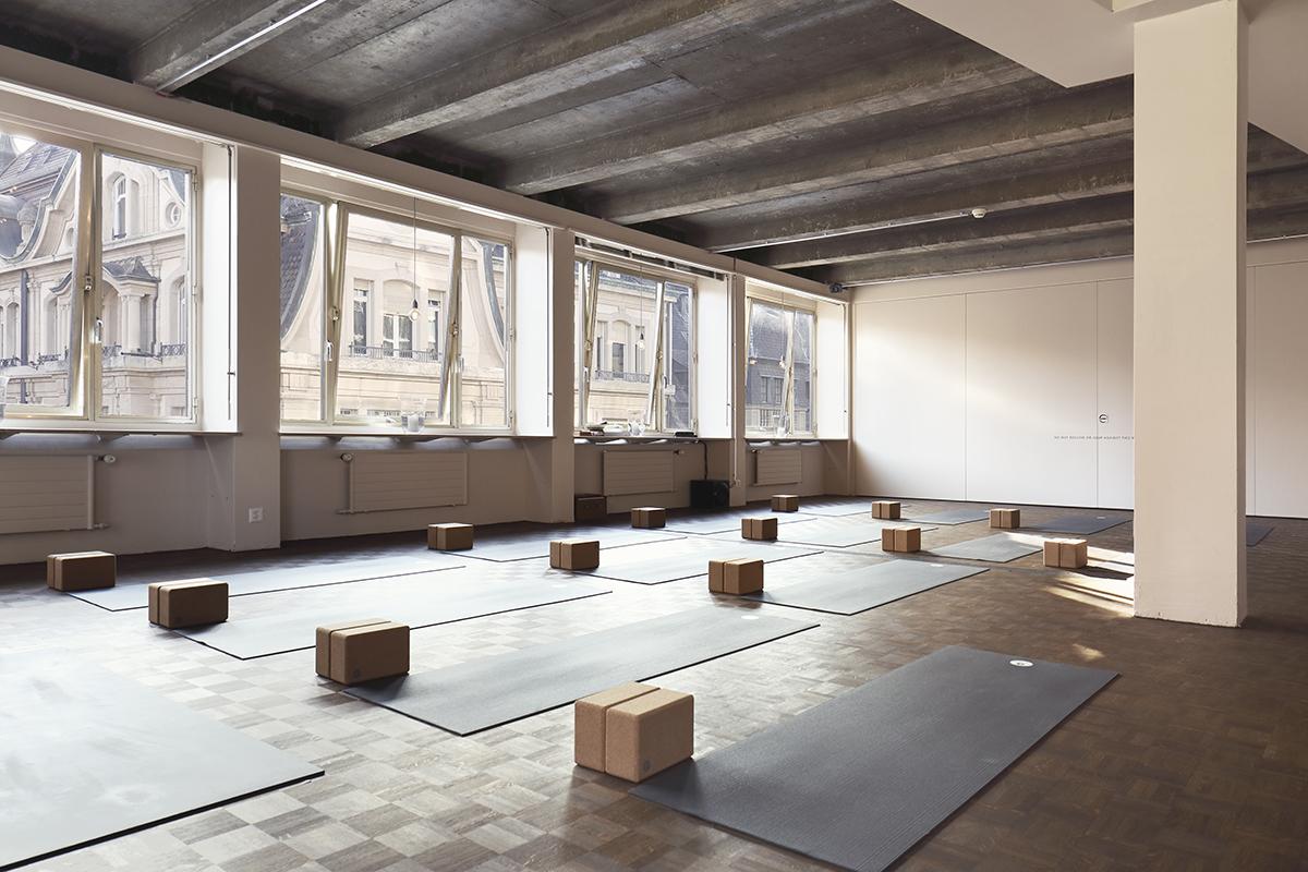 yoga studio basel.jpg