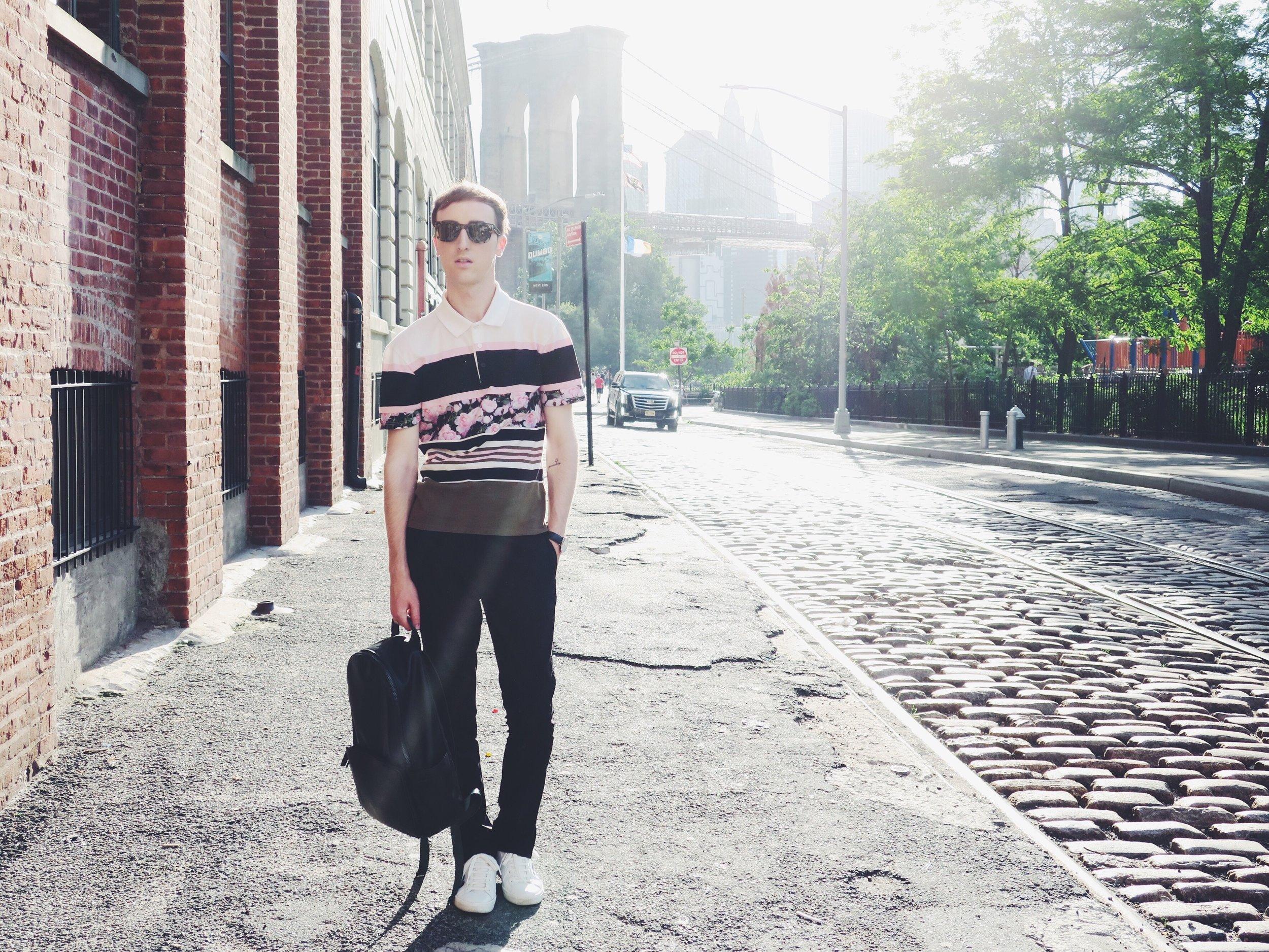 Givenchy polo shirt - H&M Studio trousers - Zara sneakers - Komono sunglasses - Zara backpack New York, you really got me 'Carrie-d' away!
