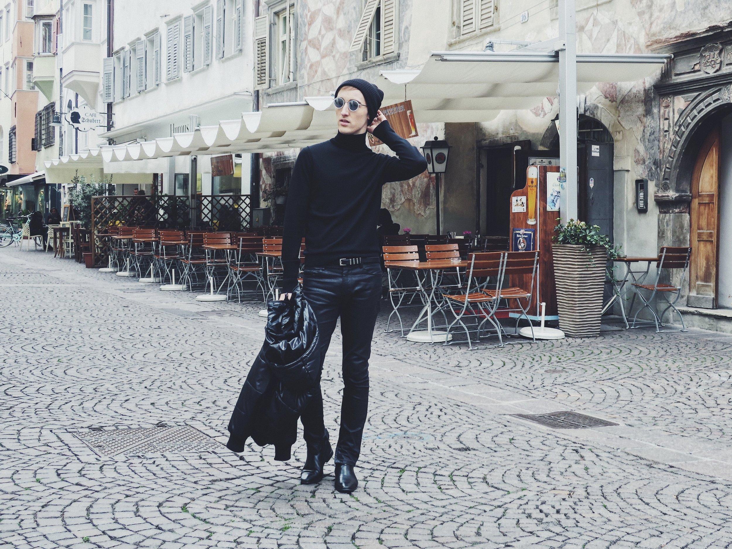 Arket turtleneck - La Redoute jacket - Zara jeans - New Look beanie - Komono sunglasses - Zara belt - Sacha ankle boots