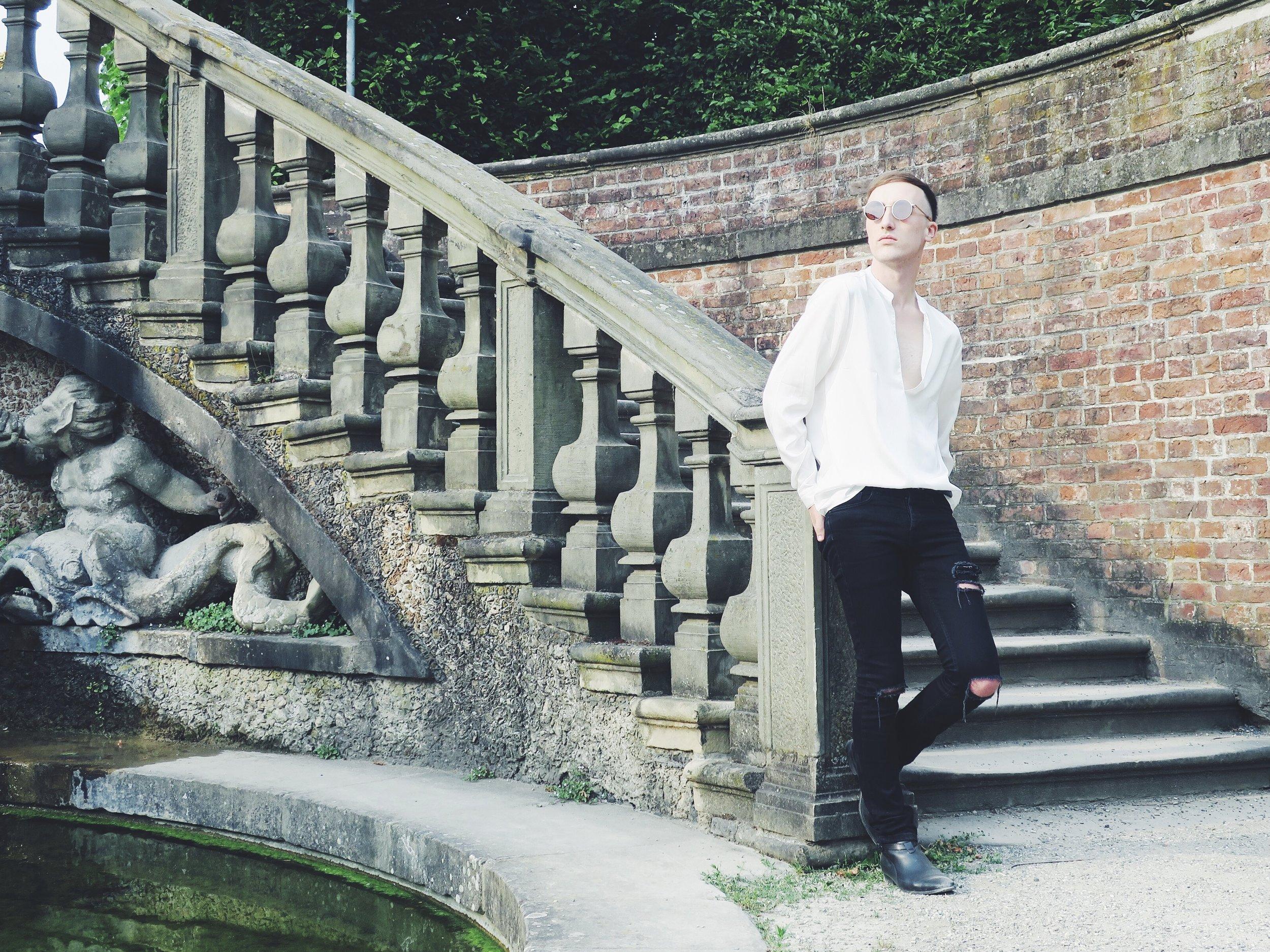 Asos shirt - Asos jeans - Sacha ankle boots - Komono sunglasses